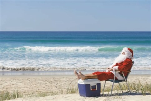 christmas-in-oz-santa-on-beach-with-eski