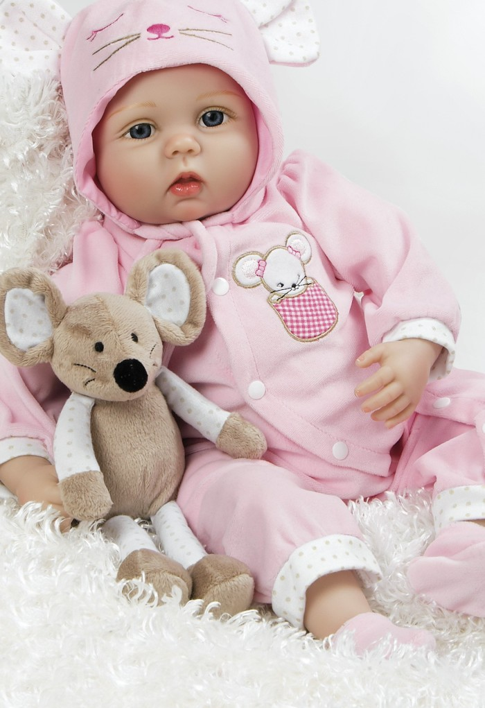 BEAUTIFUL BABY DOLL FOR BLOG CHRISTMAS 2017