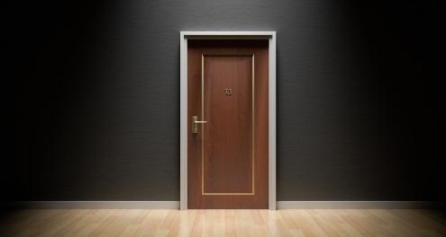 door-1587023_1920